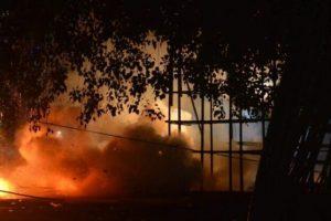 झापाको बेलडाँगीमा भिषण आगलागी, दर्जनभन्दा बढी घर नष्ट