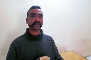पाकिस्तानले प्याराशुटबाट हाम फालेका भारतीय विमान चालकलाई आज रिहा गर्ने (भिडियो)
