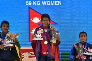 साग भारोत्तोलनमा स्वर्ण जित्ने पहिलो नेपाली महिलाः सञ्जु चौधरी
