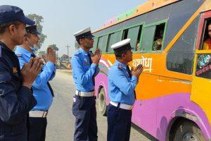 इनरुवा ट्राफिकको नमस्कार अभियान