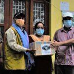 दलित सरोकार मञ्च सप्तरीको समन्वयमा स्वास्थ्य सामग्री हस्तान्तरण